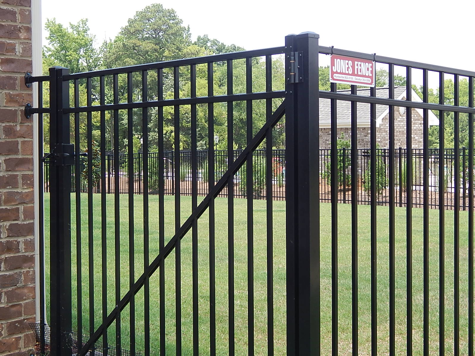 jones fence enterprises residential metal fence installations